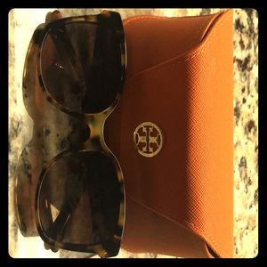 Tory Burch / Retail - Sunglasses brand new